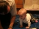 Nellike mászik a Papával